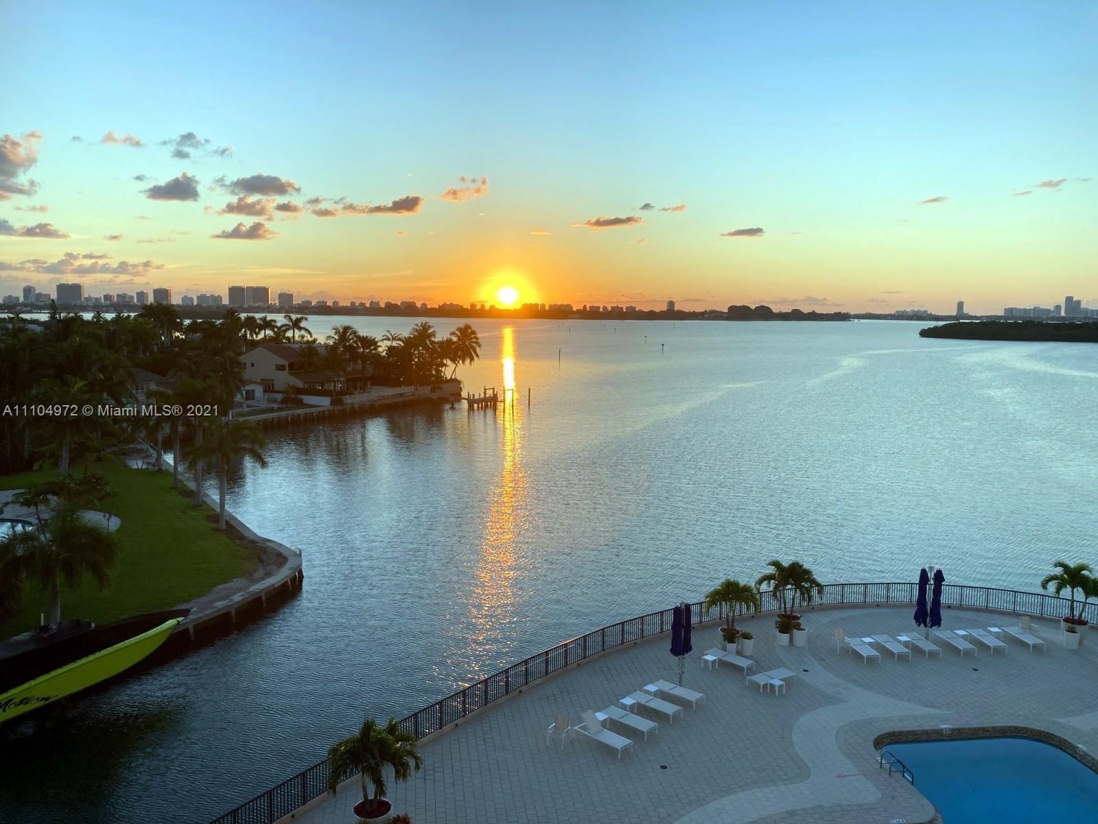 Cricket Club #703 - 1800 NE 114th St #703, Miami, FL 33181