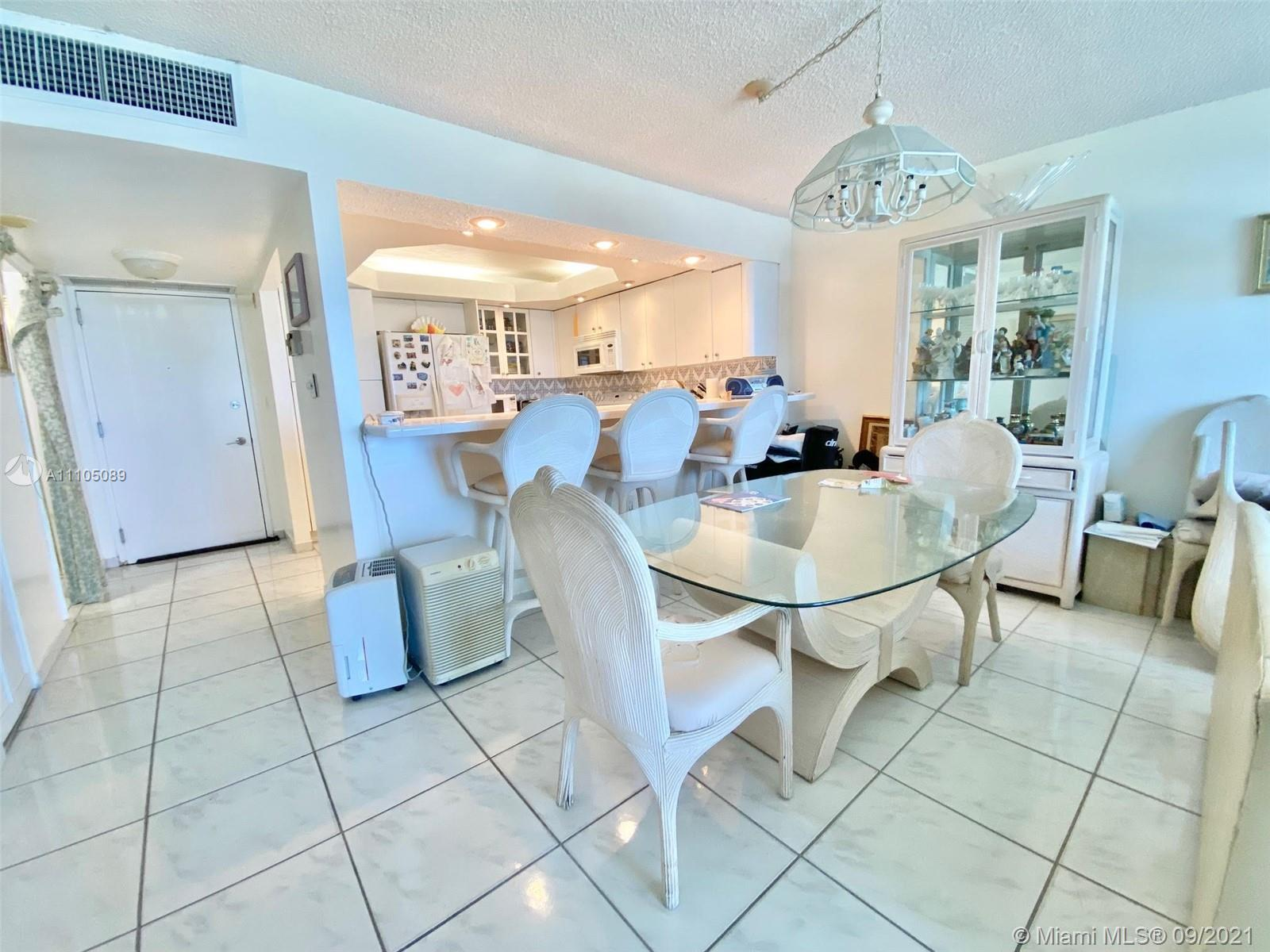 5701 Collins Ave #906 photo013