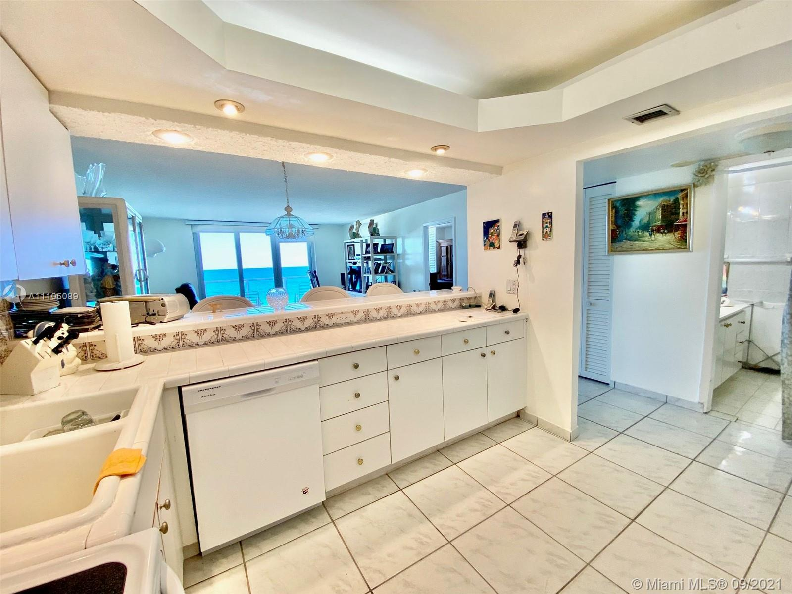 5701 Collins Ave #906 photo07