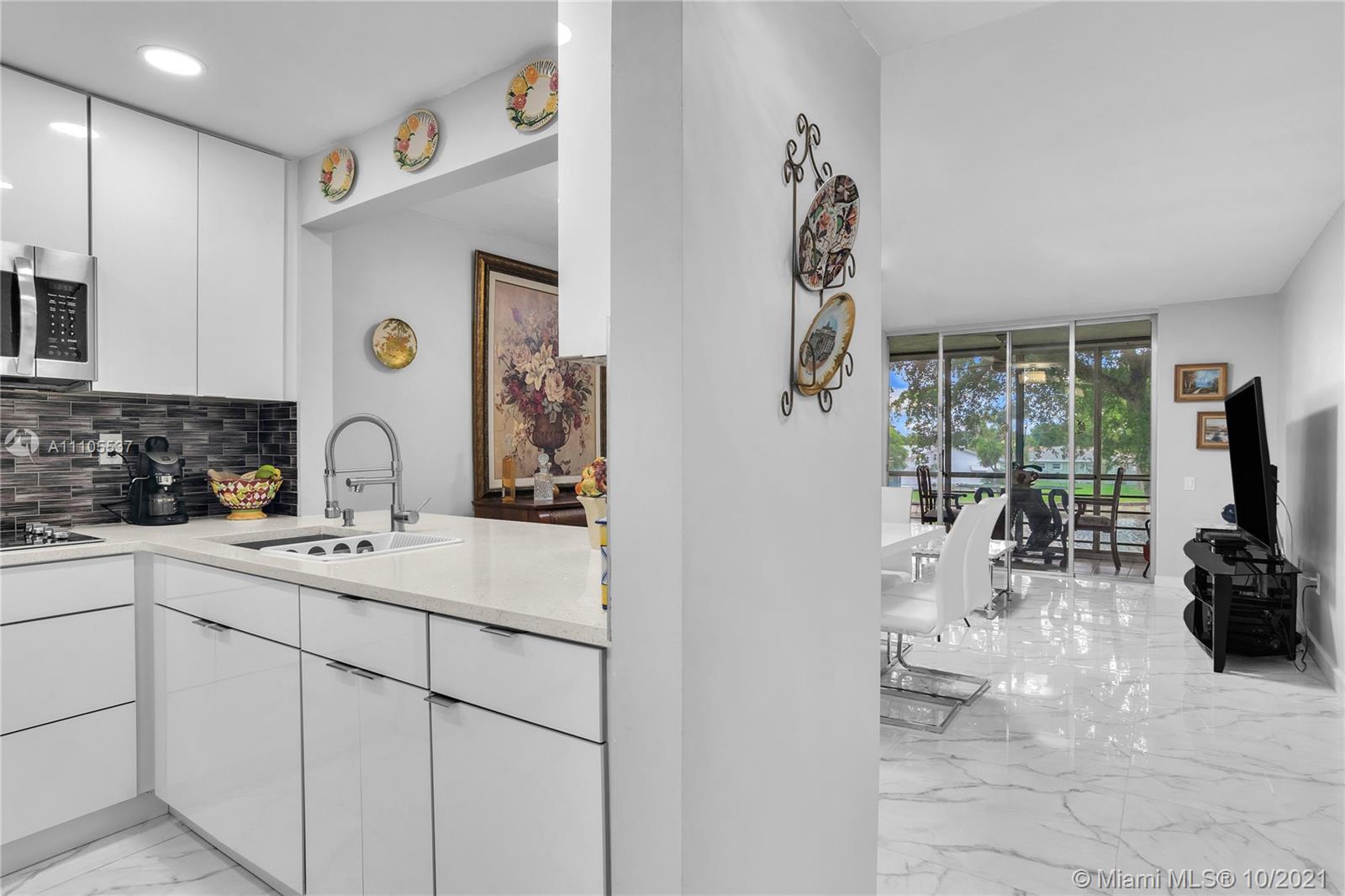 Property for sale at 9150 Lime Bay Blvd Unit: 209, Tamarac,  Florida 33321