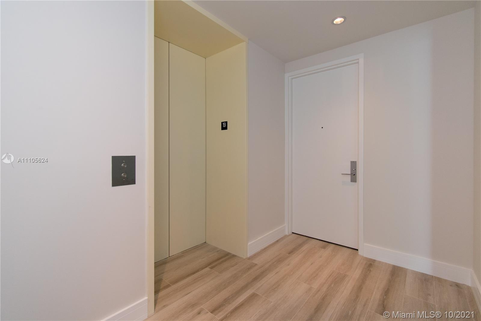 10203 Collins Ave #1903N photo016