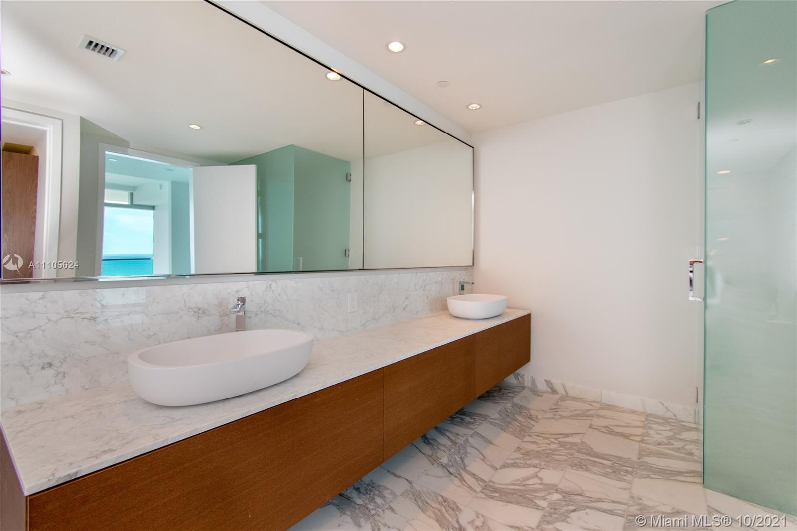 10203 Collins Ave #1903N photo028