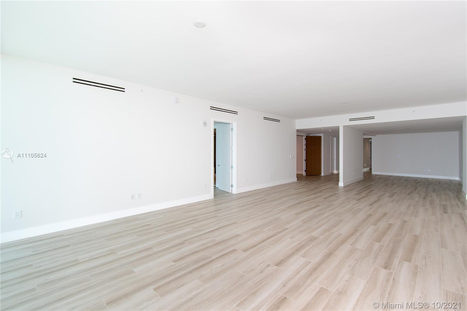 10203 Collins Ave #1903N photo015