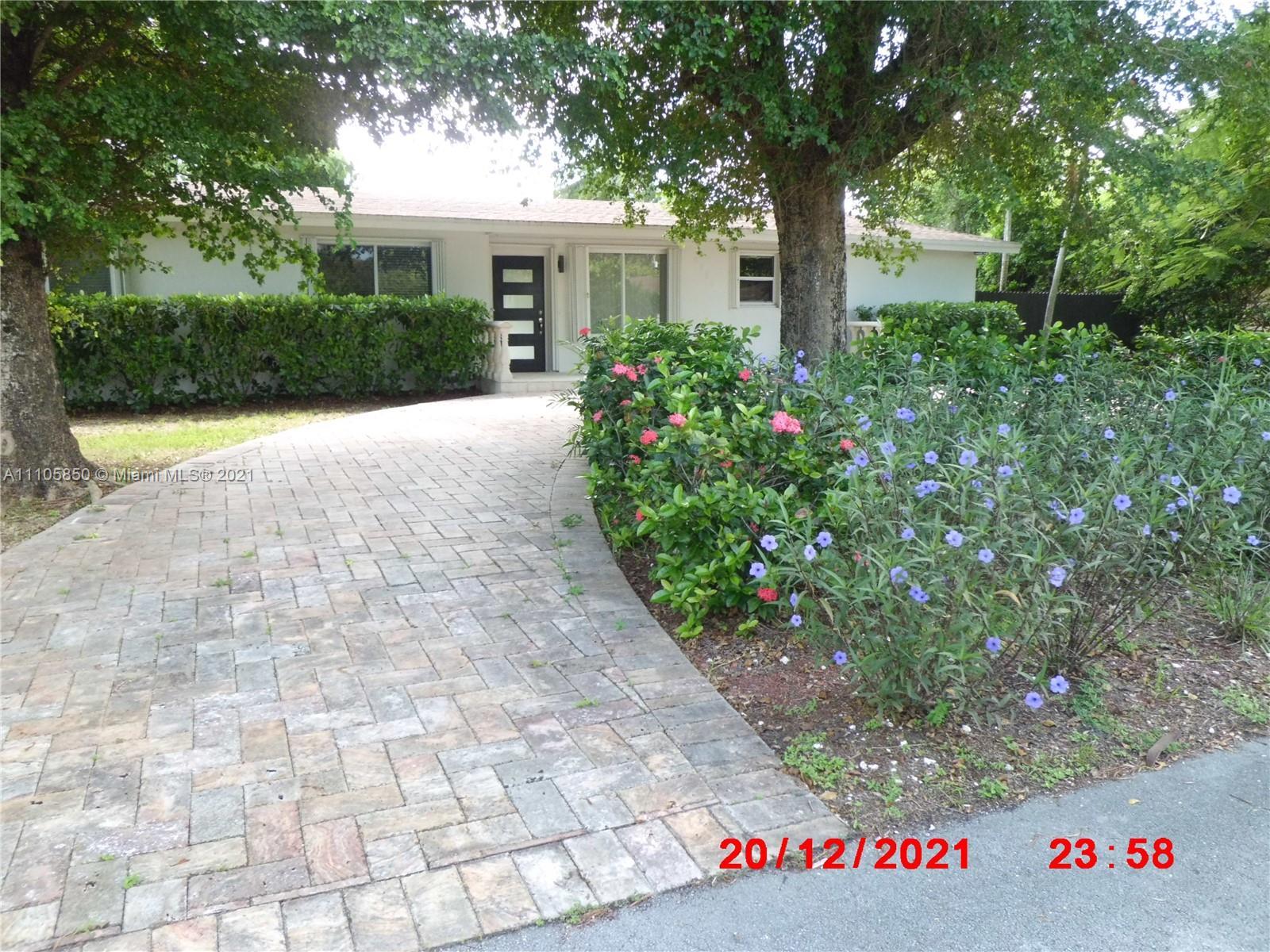 Single Family Home,For Sale,8930 SW 125th Ter, Miami, Florida 33176,Brickell,realty,broker,condos near me