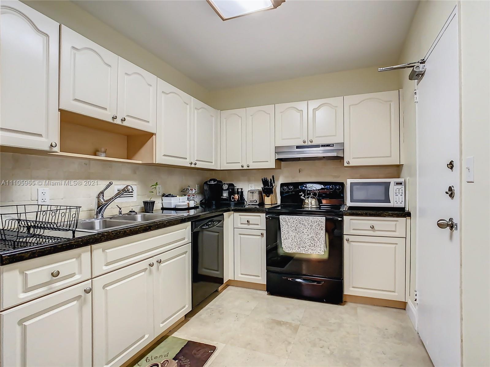 10185 Collins Ave #616 photo016