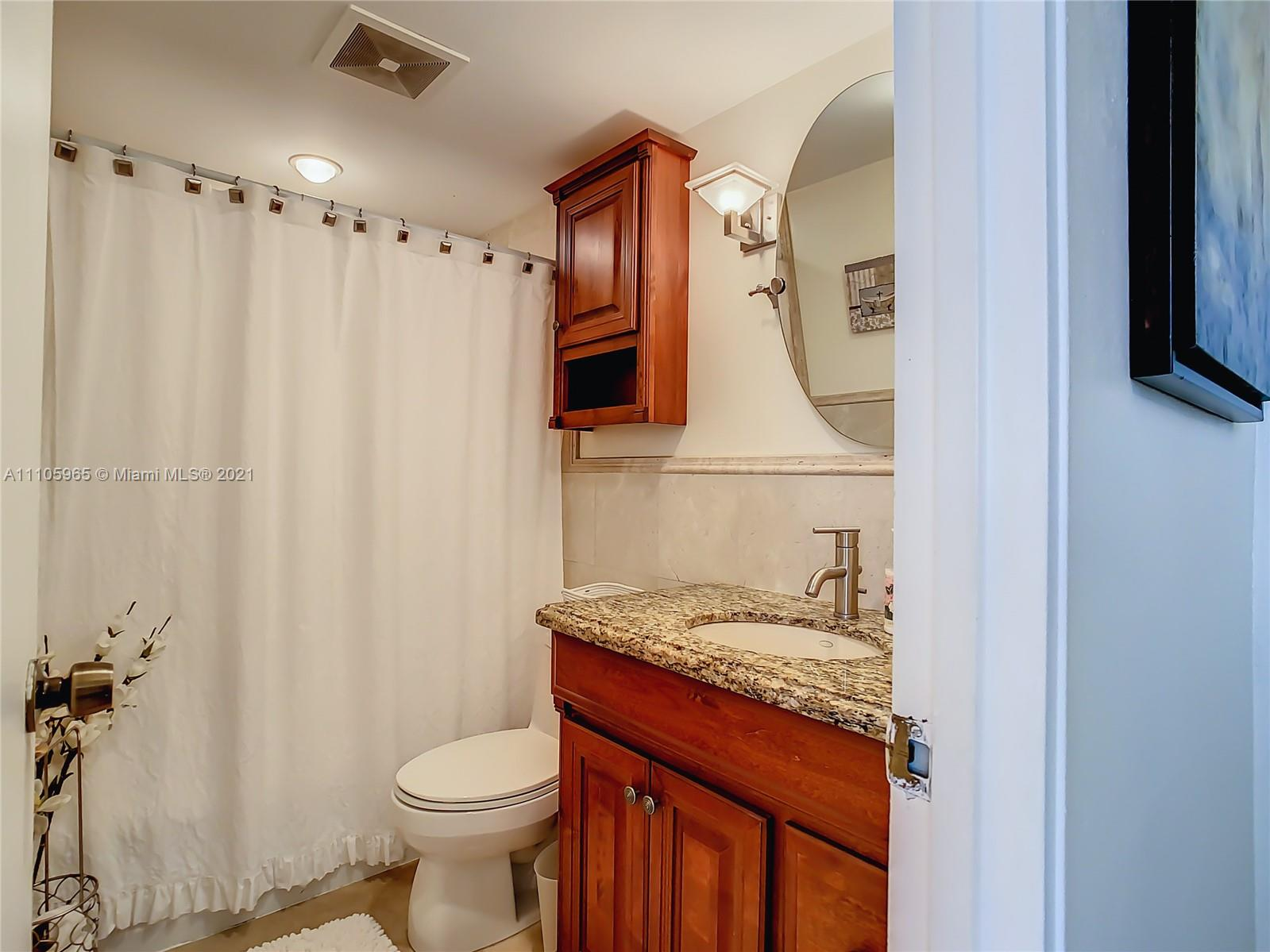10185 Collins Ave #616 photo024