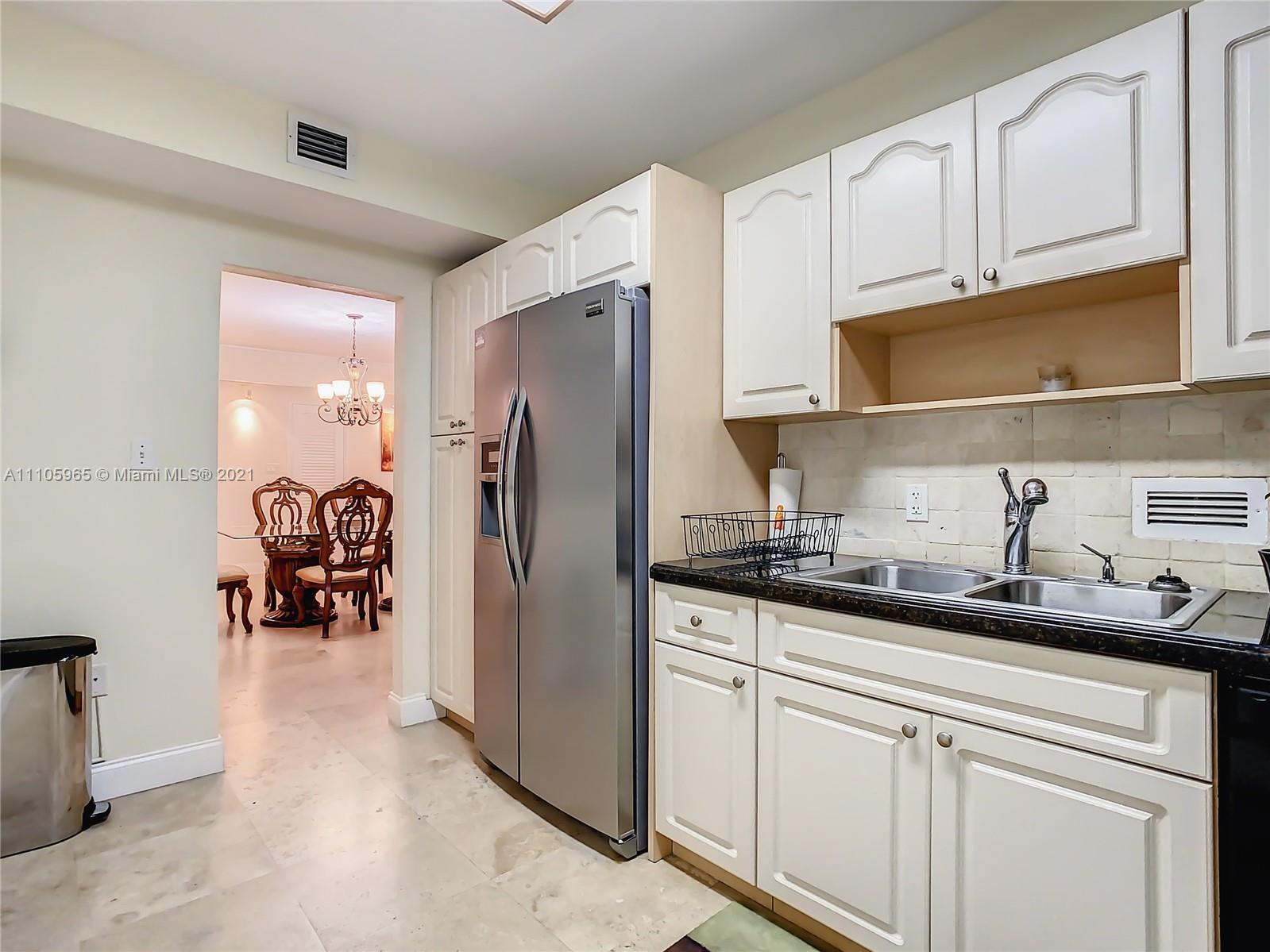 10185 Collins Ave #616 photo018