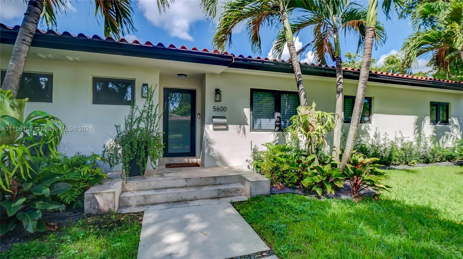 South Miami - 5600 SW Alhambra Cir, Coral Gables, FL 33146