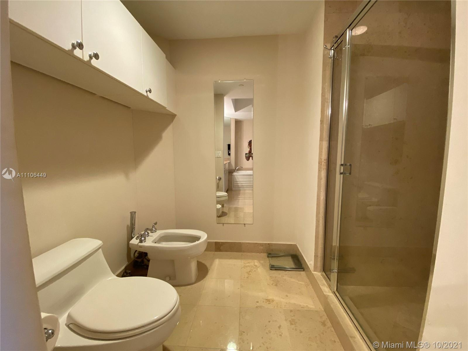 4775 Collins Ave #1706 photo04