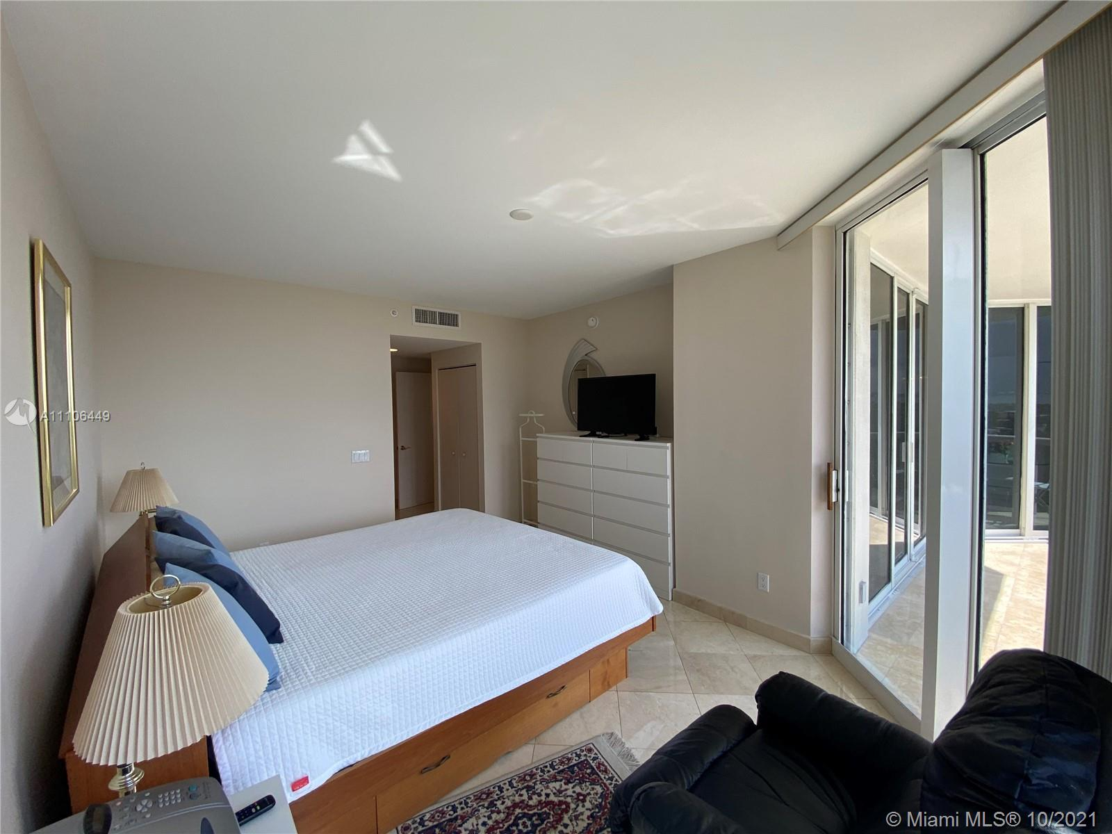 4775 Collins Ave #1706 photo08