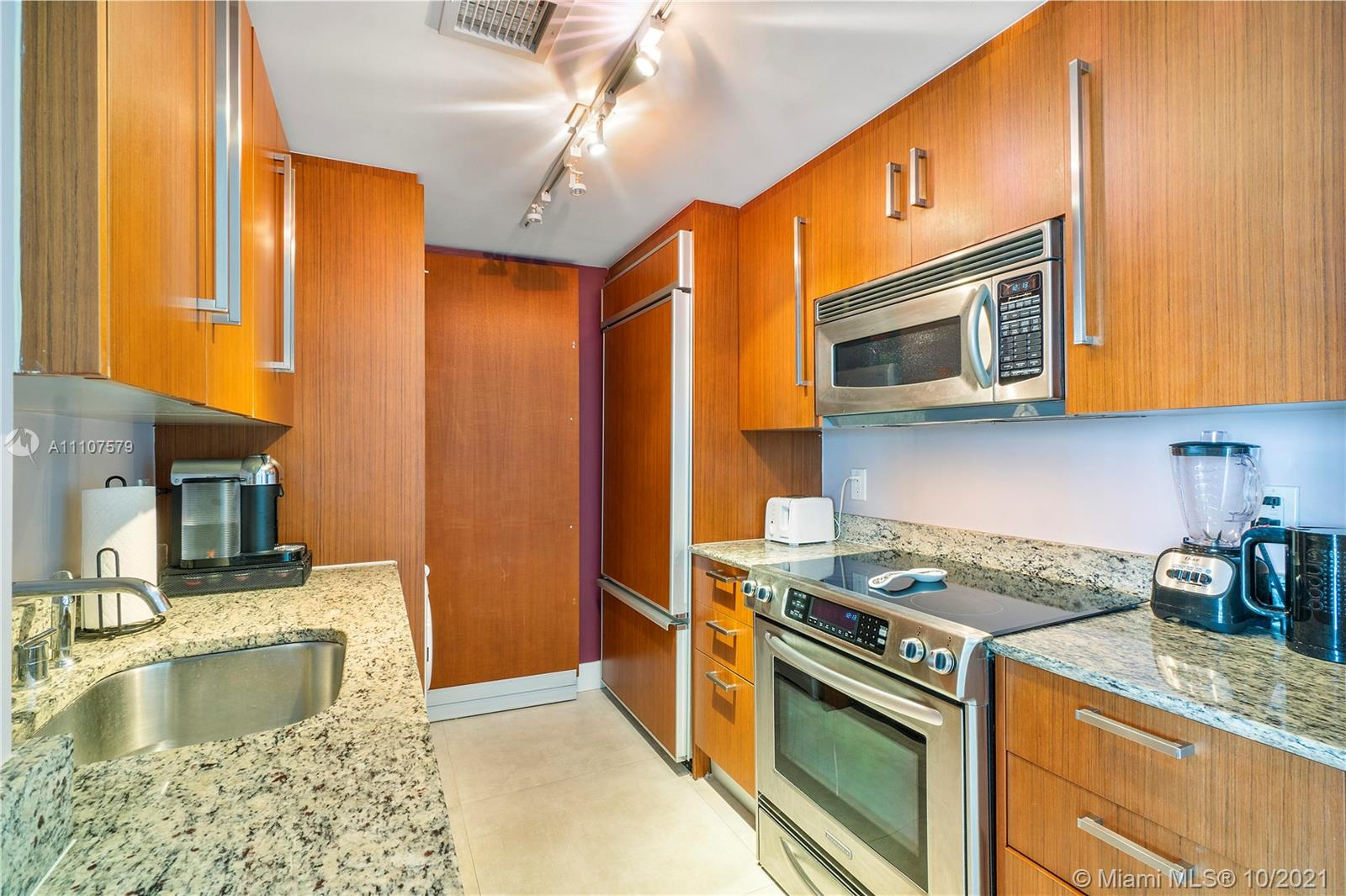 10275 Collins Ave #1130 photo015