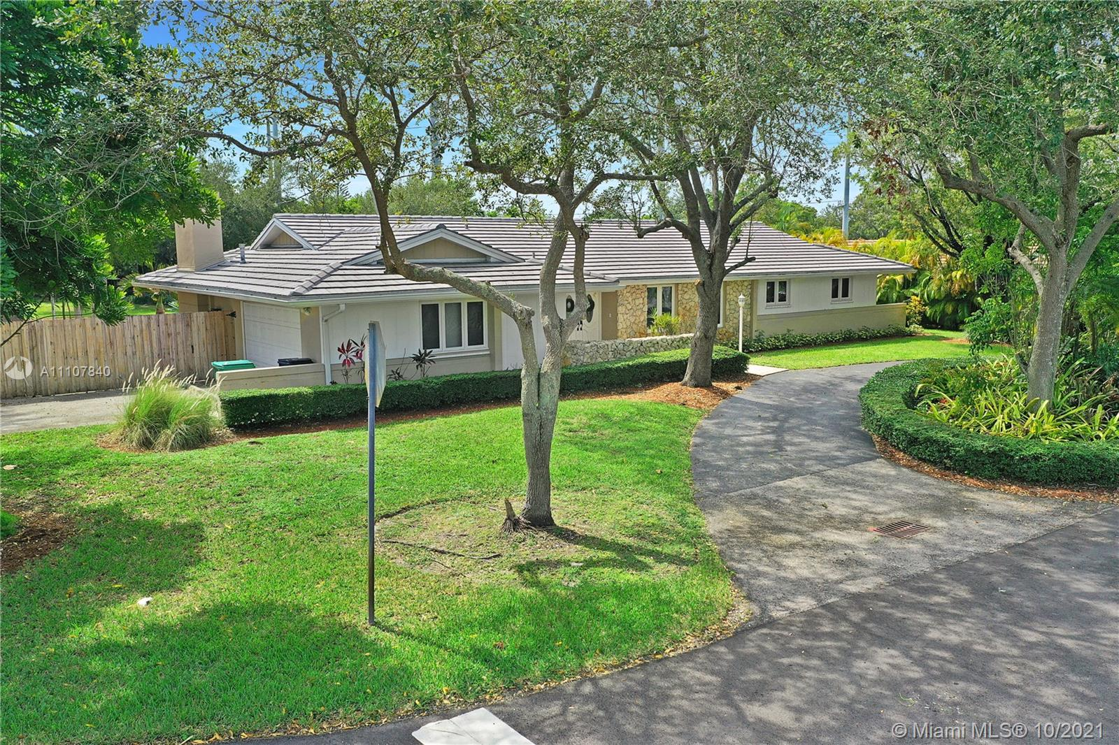 Single Family Home For Sale KINGS BAY PINES2,562 Sqft
