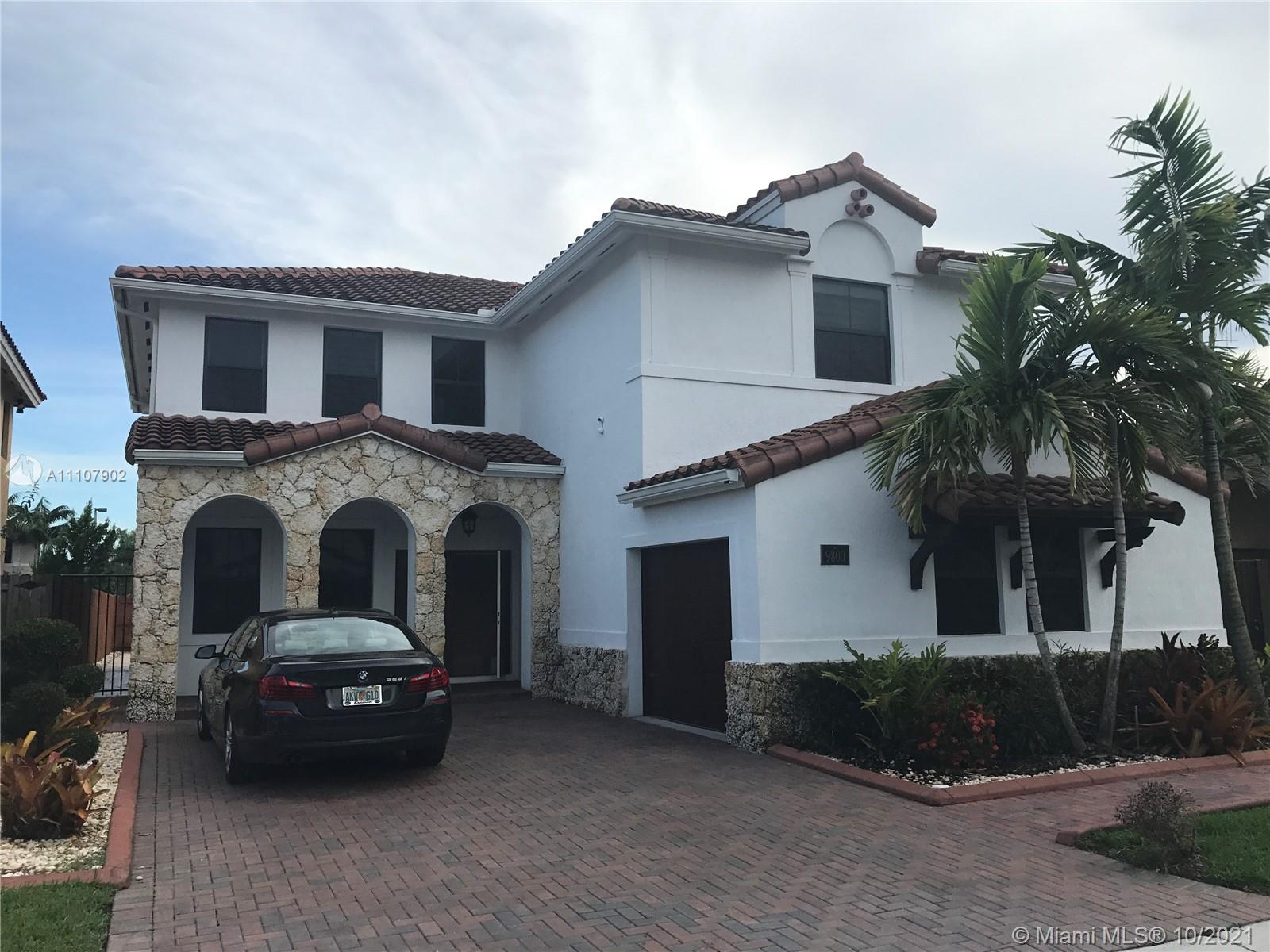 Las Ramblas - 9800 NW 10th Ter, Miami, FL 33172