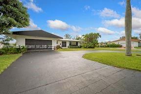 Golden Isles - 661 Layne Blvd, Hallandale Beach, FL 33009