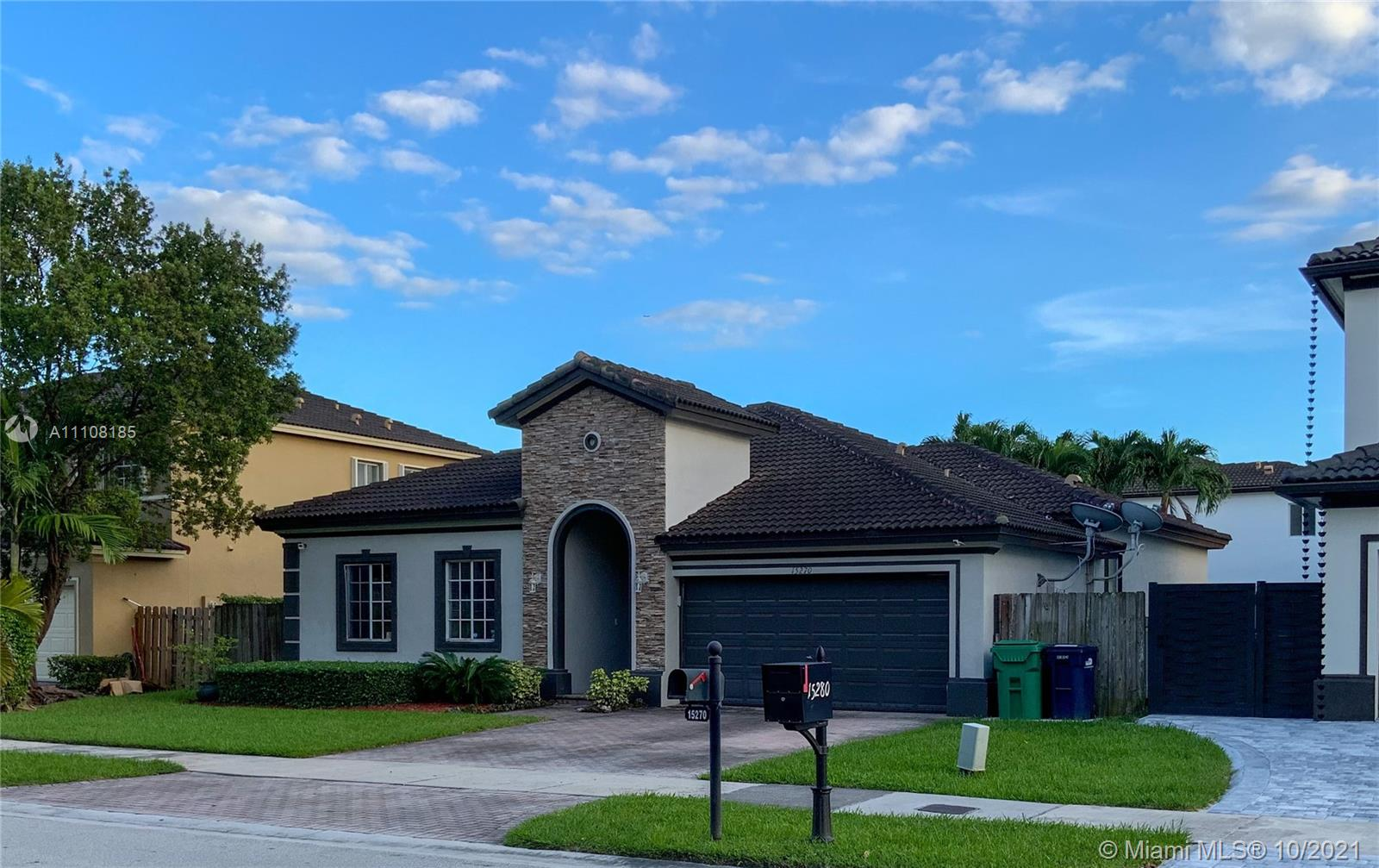 Single Family Home For Sale A B AT TAMIAMI TRAIL PHAS1,816 Sqft
