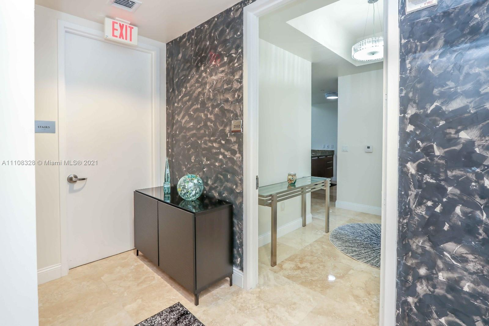 15811 Collins Ave #2102 photo017