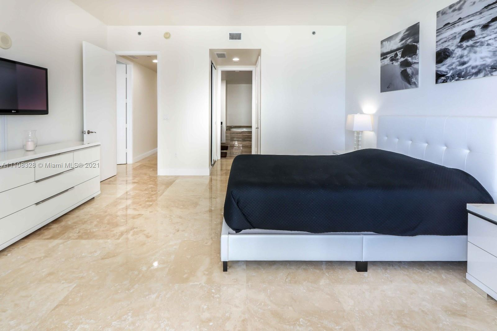 15811 Collins Ave #2102 photo09
