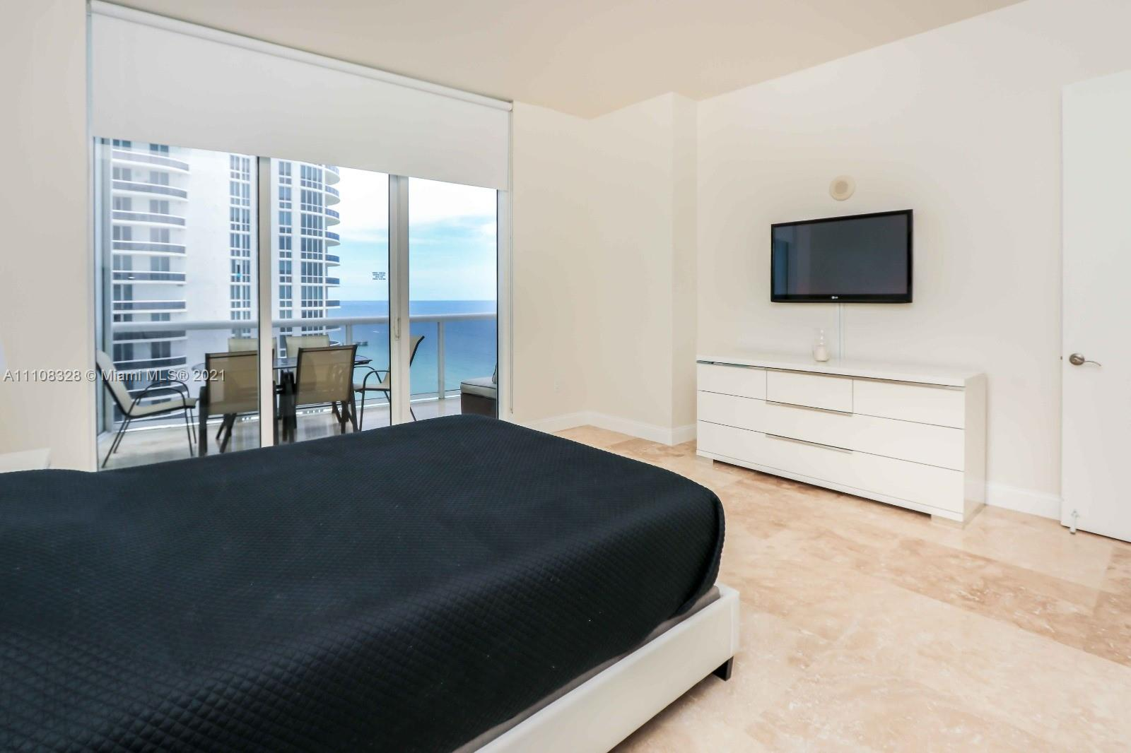 15811 Collins Ave #2102 photo08