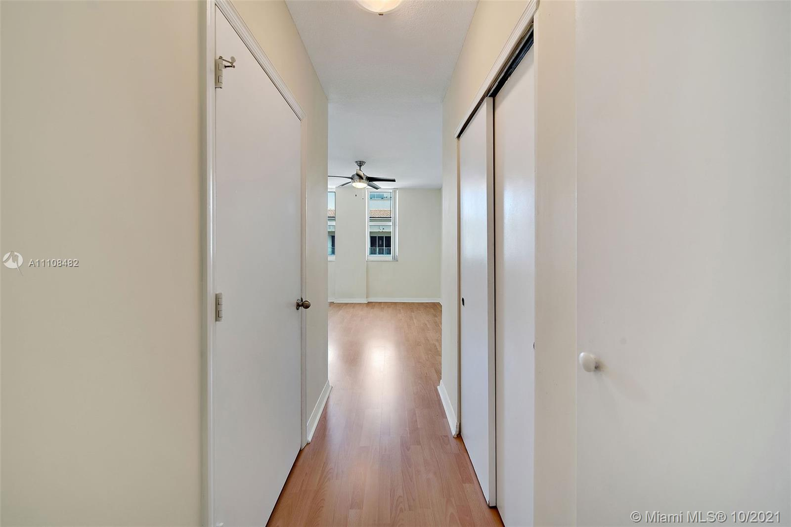 9201 Collins Ave #1124 photo022
