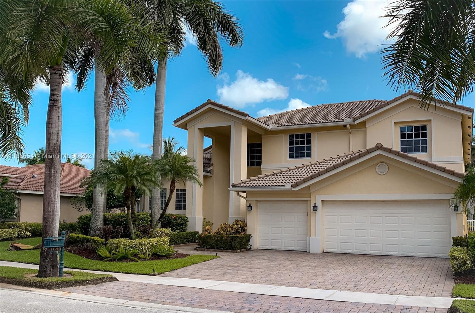 Weston Hills - 1619 Victoria Pointe Cir, Weston, FL 33327