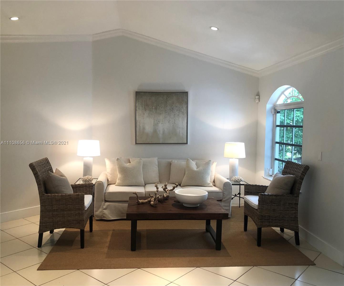 Tropical Isle Homes - 515 Woodcrest Rd, Key Biscayne, FL 33149