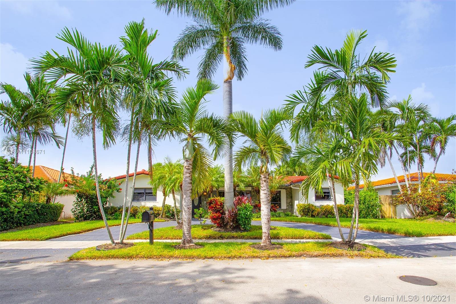 Highland Lakes - 21250 NE 23rd Ave, Miami, FL 33180