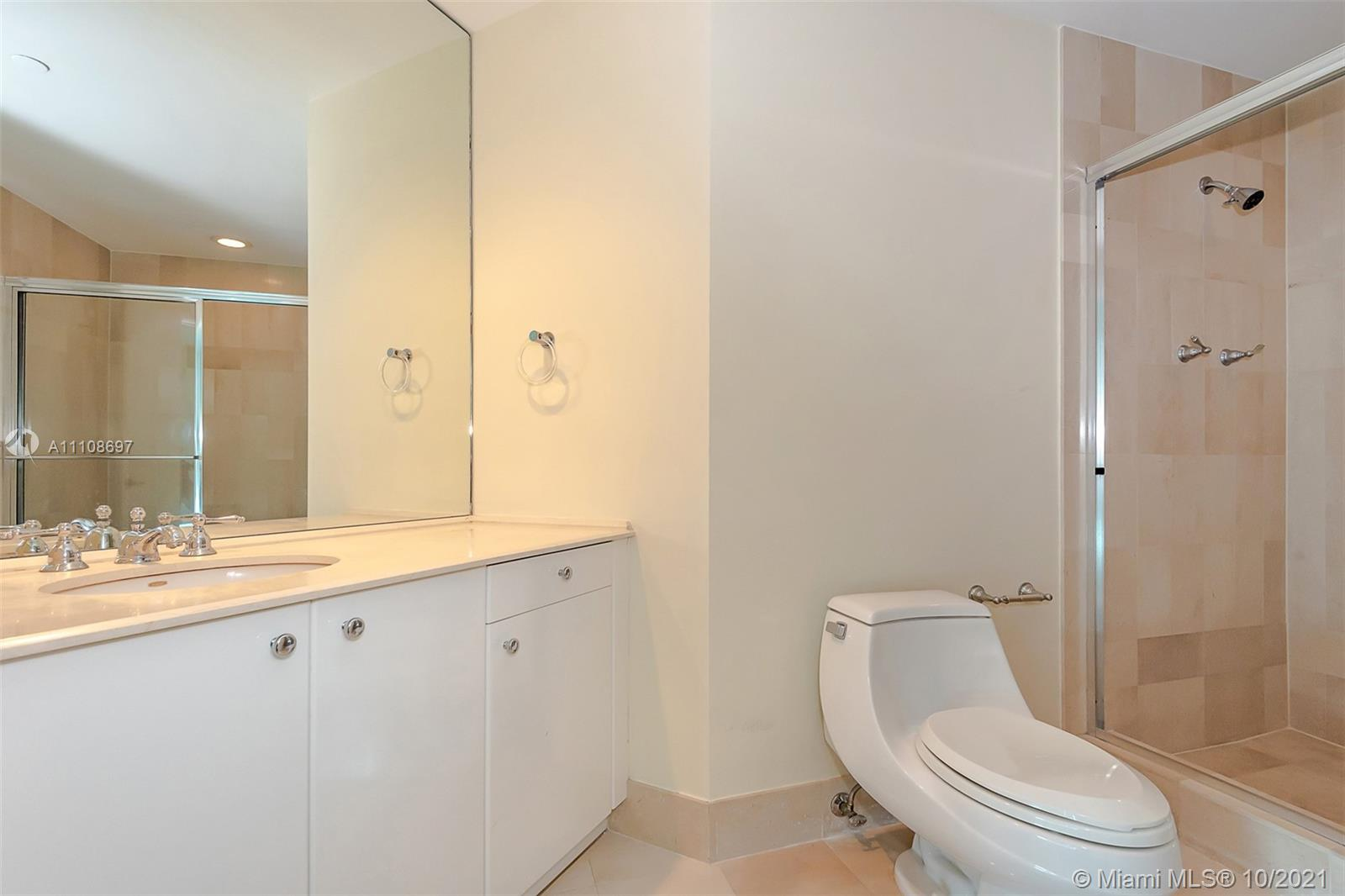 300 S Pointe Dr #1403 photo09