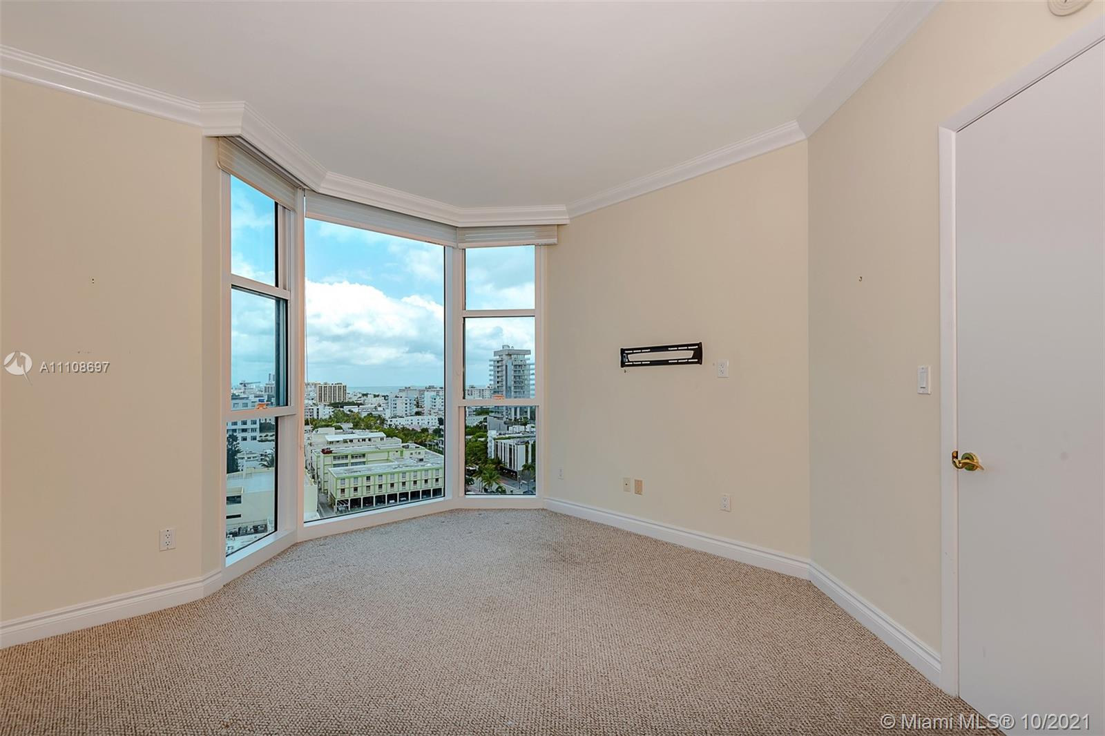 300 S Pointe Dr #1403 photo08
