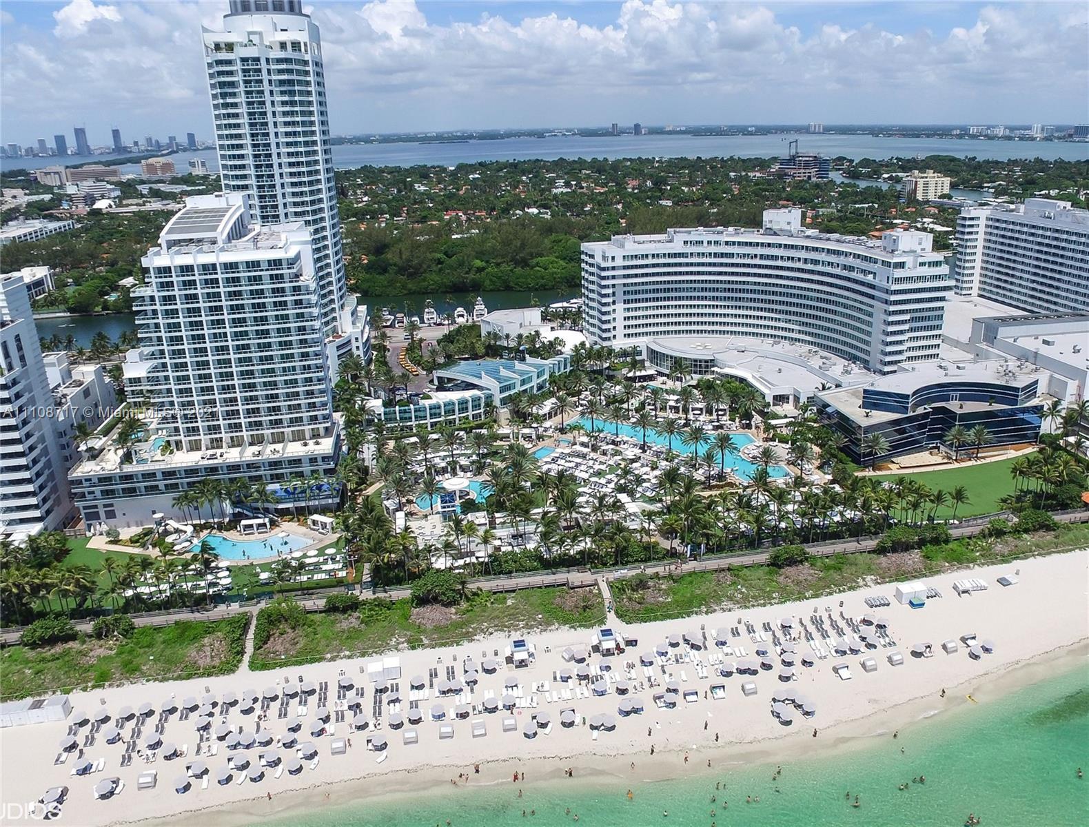 Fontainebleau Tresor #812 - 4401 Collins Ave #812, Miami Beach, FL 33140