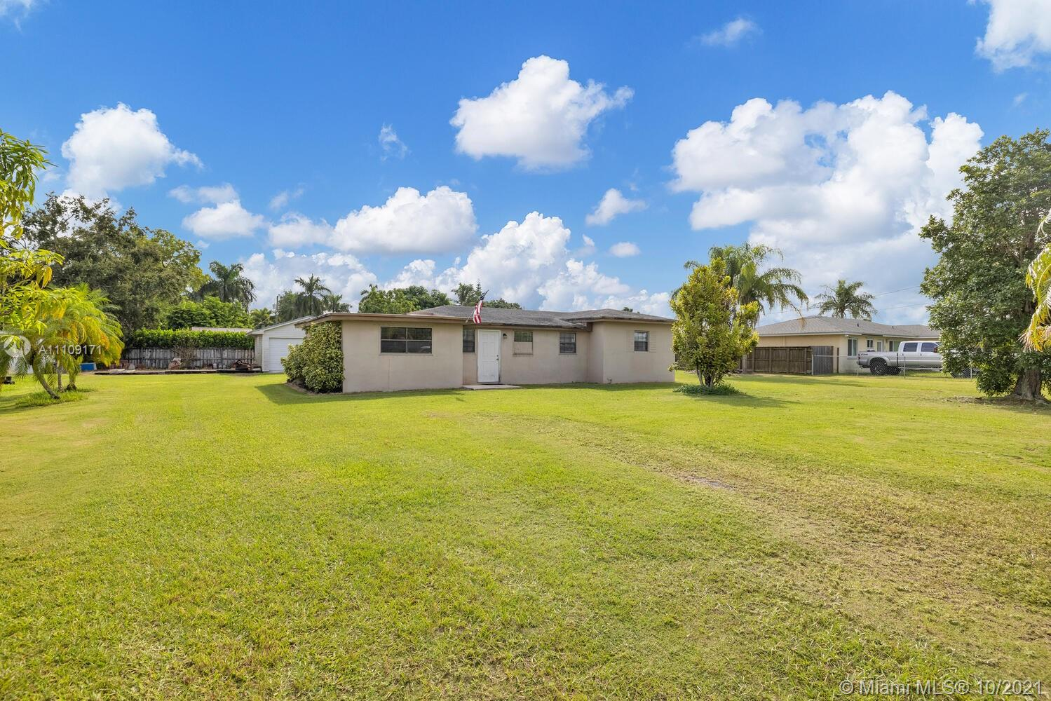 Single Family Home,For Sale,30525 SW 193rd Ct, Homestead, Florida 33030,Brickell,realty,broker,condos near me