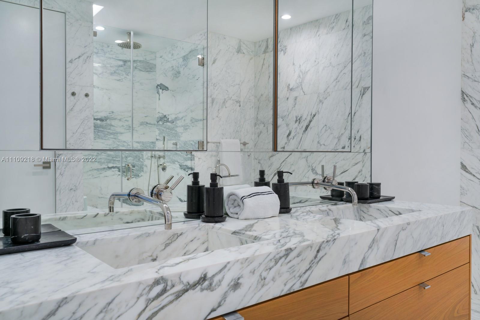 1300 Monad Terrace #9C photo015