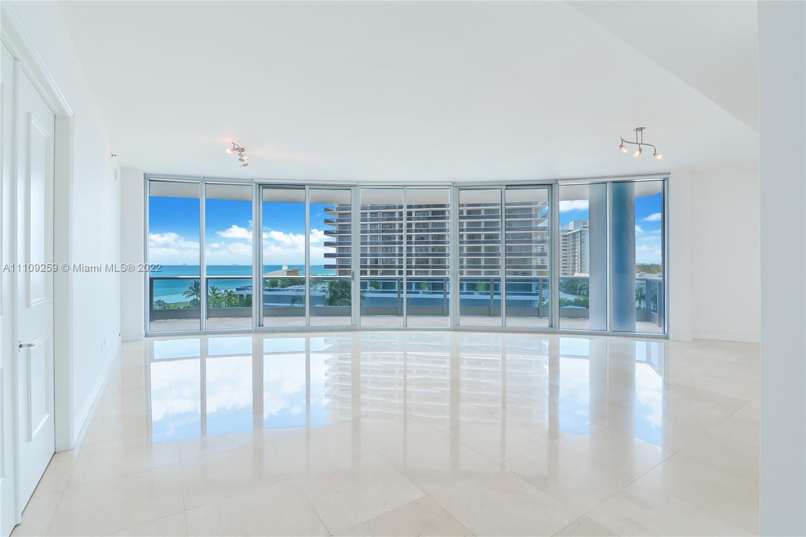 5959 Collins Ave #702 photo02