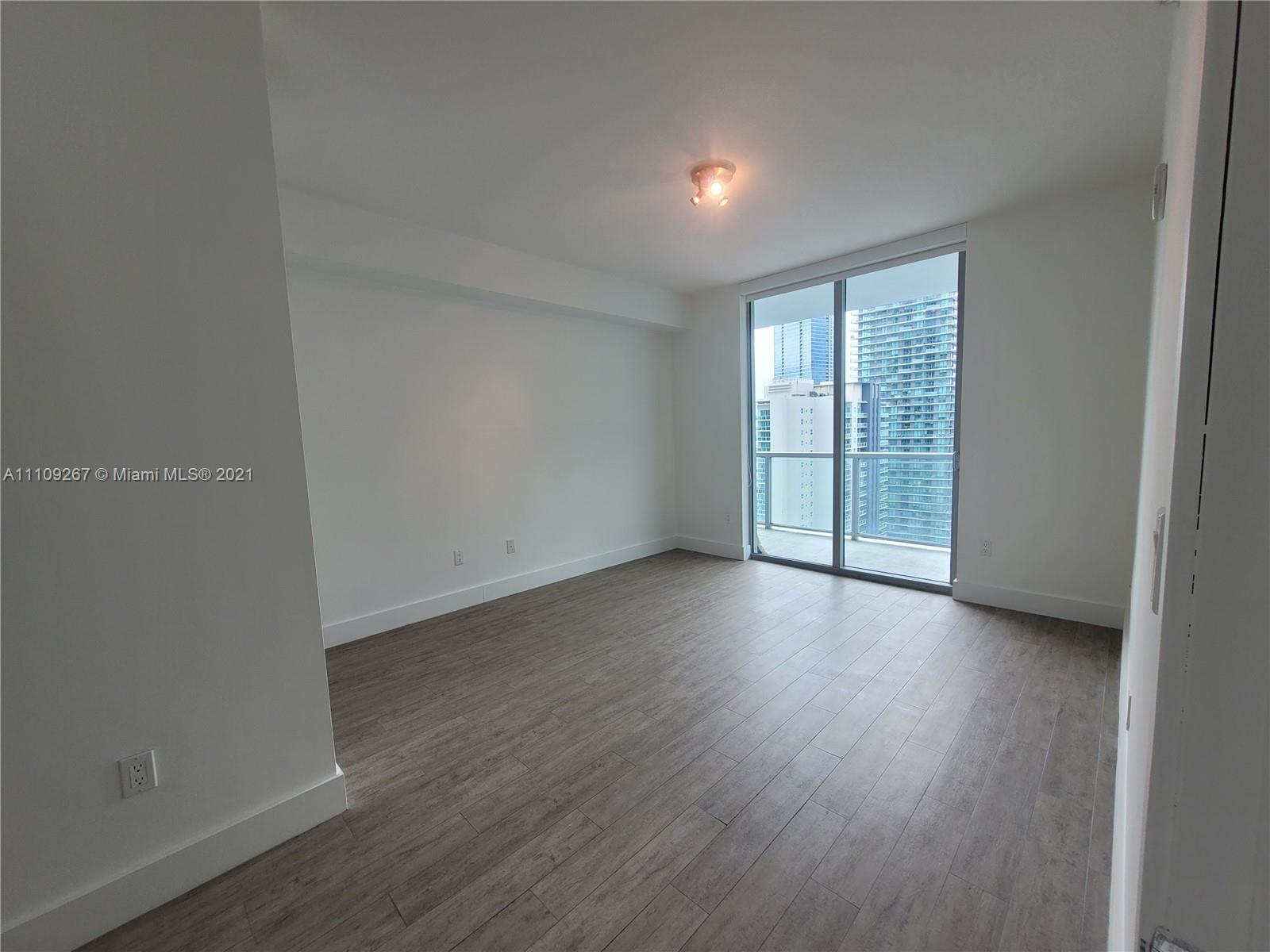 1111 SW 1st Ave #3717-N photo021