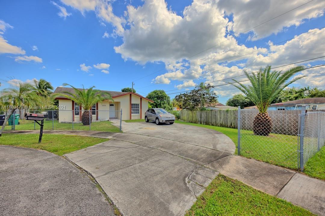 Single Family Home,For Sale,16971 SW 100th Pl, Miami, Florida 33157,Brickell,realty,broker,condos near me