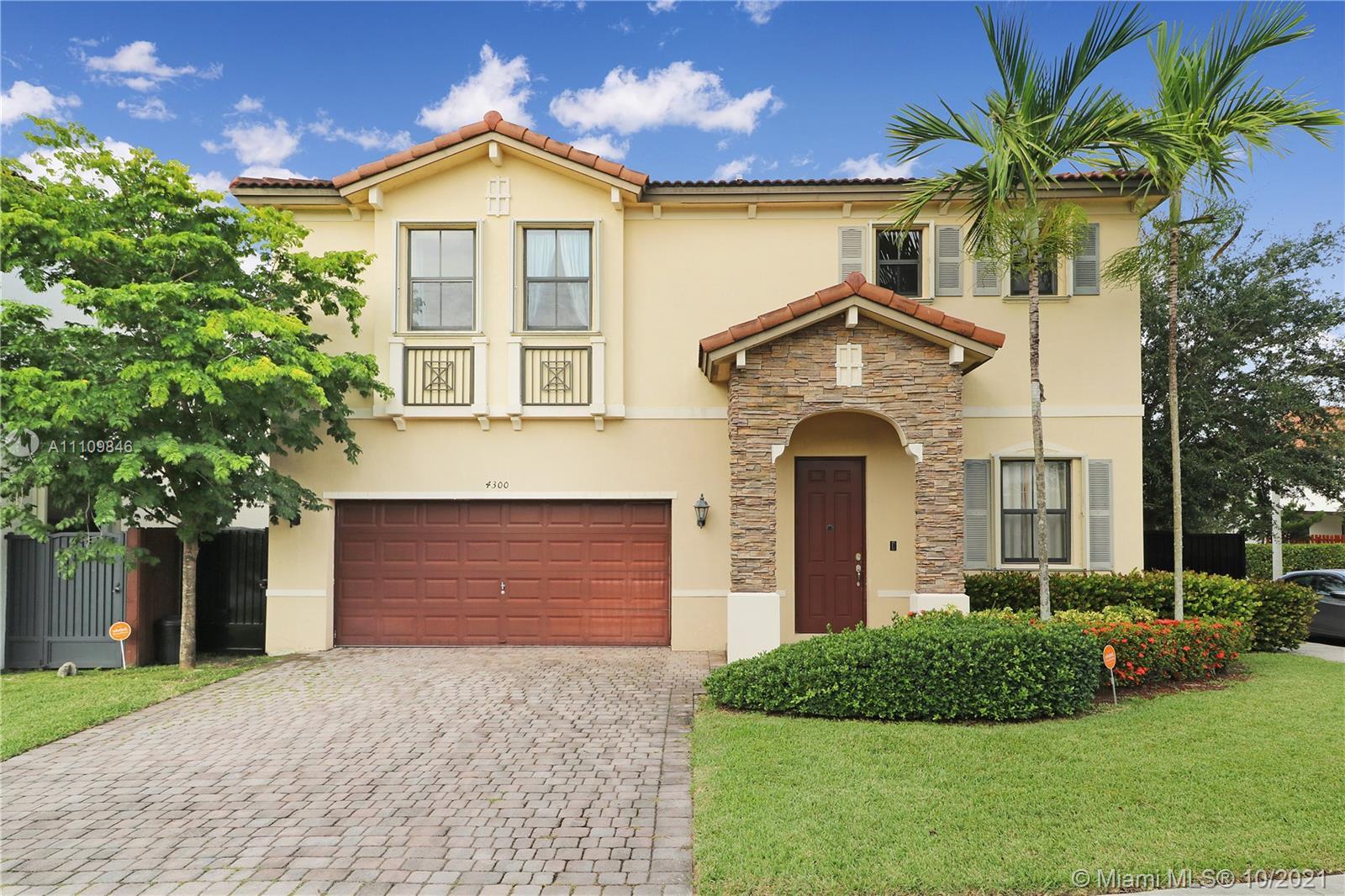Single Family Home For Sale INTERLAKEN2,640 Sqft