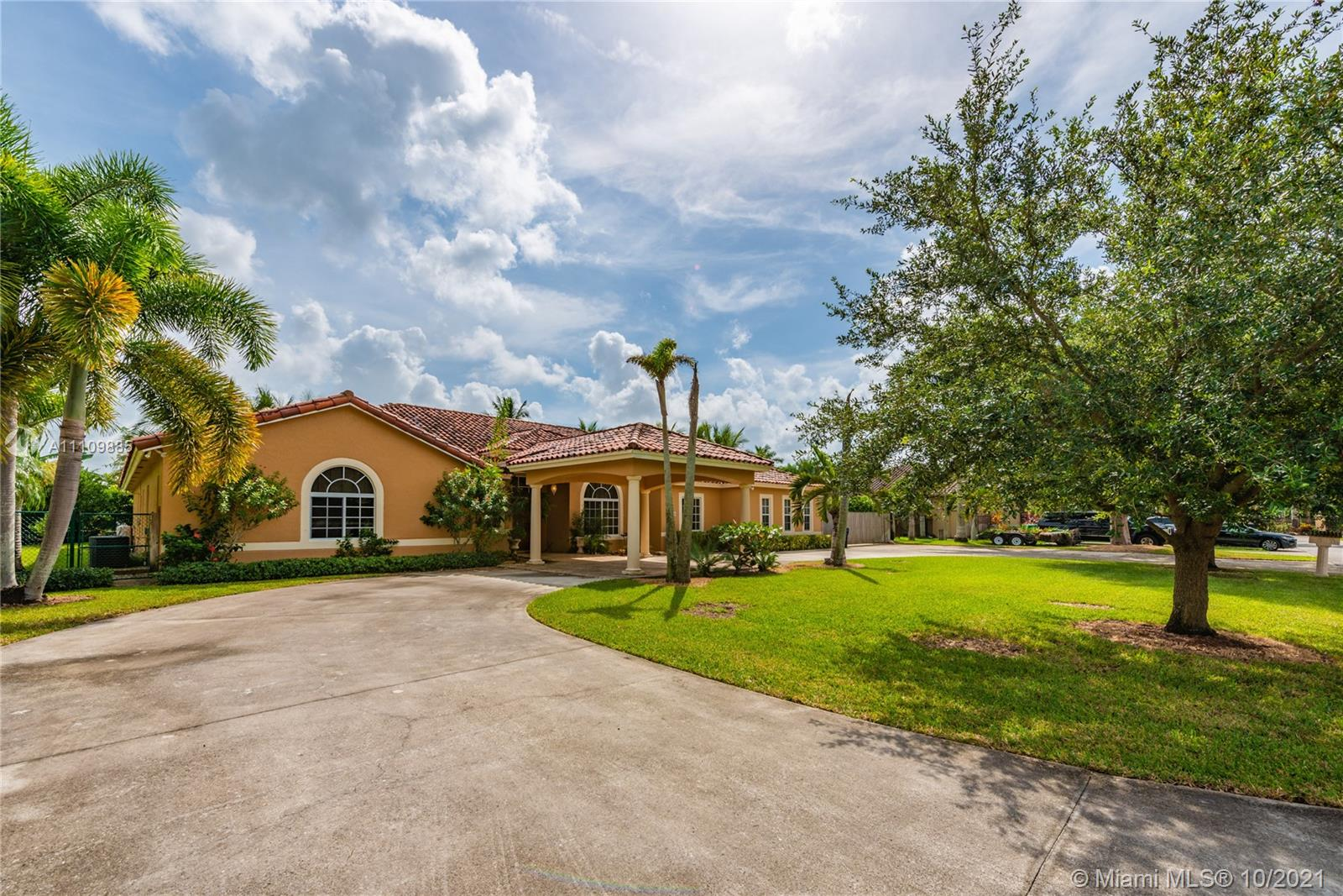 Single Family Home,For Sale,29481 SW 193rd Ct, Homestead, Florida 33030,Brickell,realty,broker,condos near me