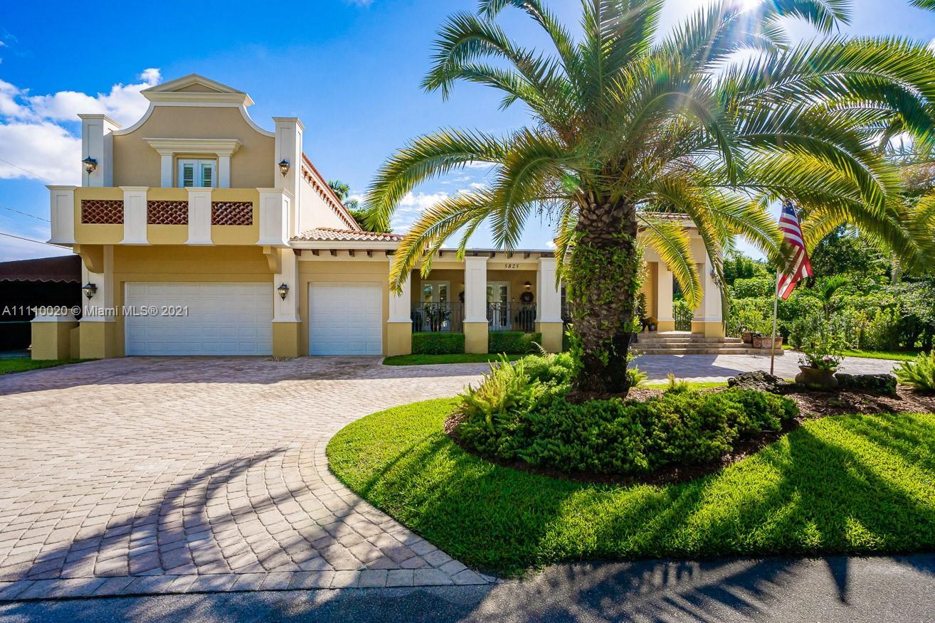 Single Family Home For Sale CAMBRIDGE LAWNS PARK3,264 Sqft