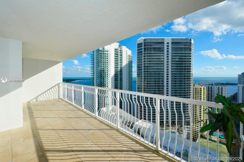Club at Brickell #3817 - 1200 Brickell Bay Dr #3817, Miami, FL 33131
