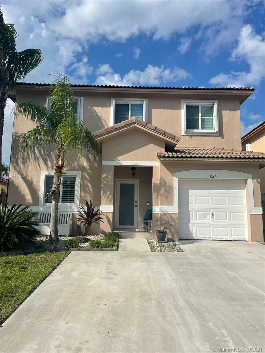 Single Family Home For Sale LAKES BY THE BAY SEC 121,839 Sqft