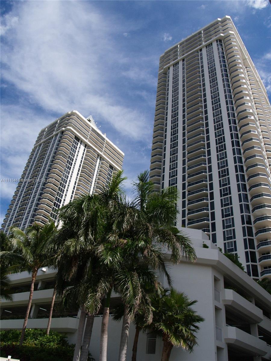 Green Diamond #1202 - 4775 Collins Ave #1202, Miami Beach, FL 33140