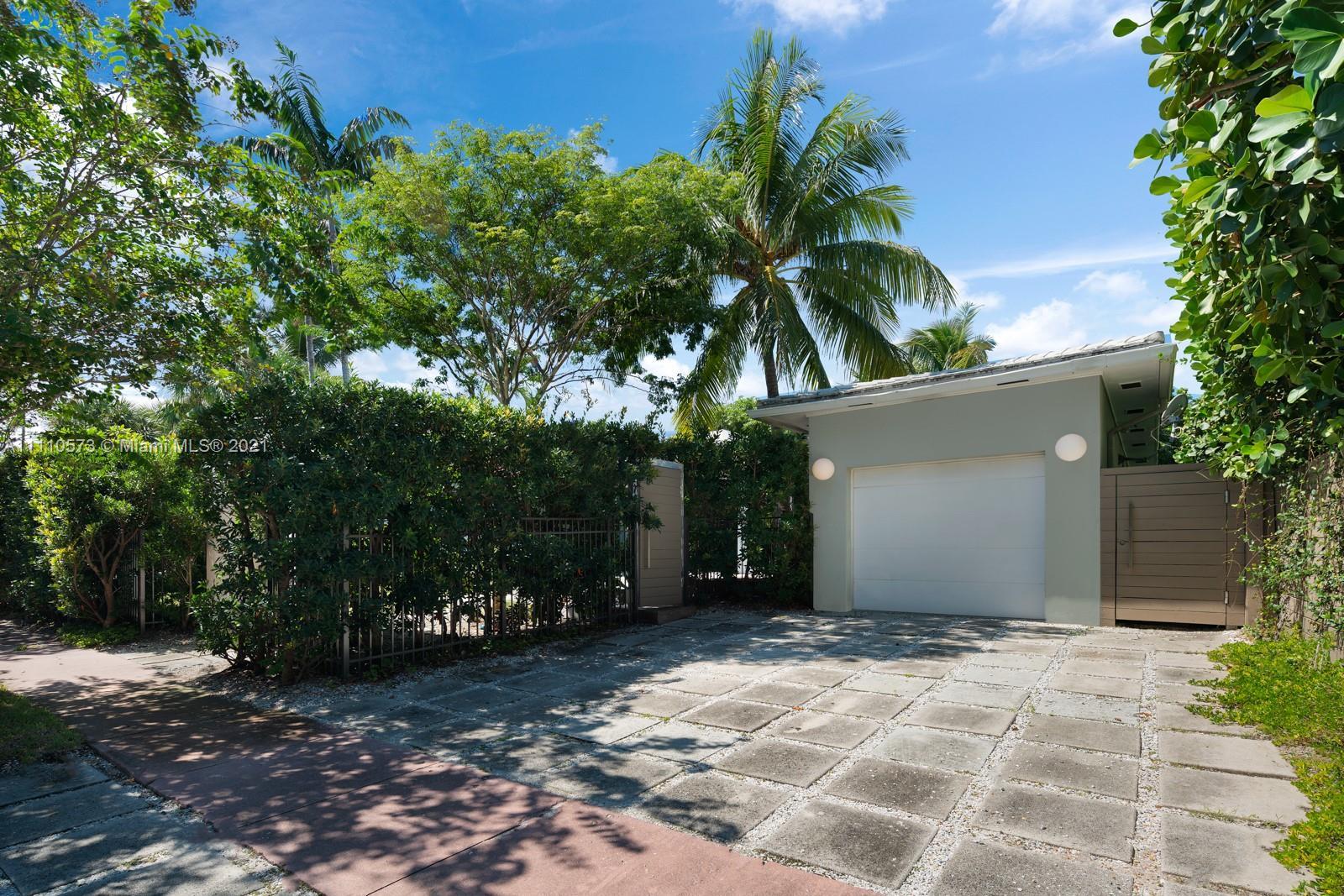 Flamingo Terrace - 2520 Flamingo Dr, Miami Beach, FL 33140