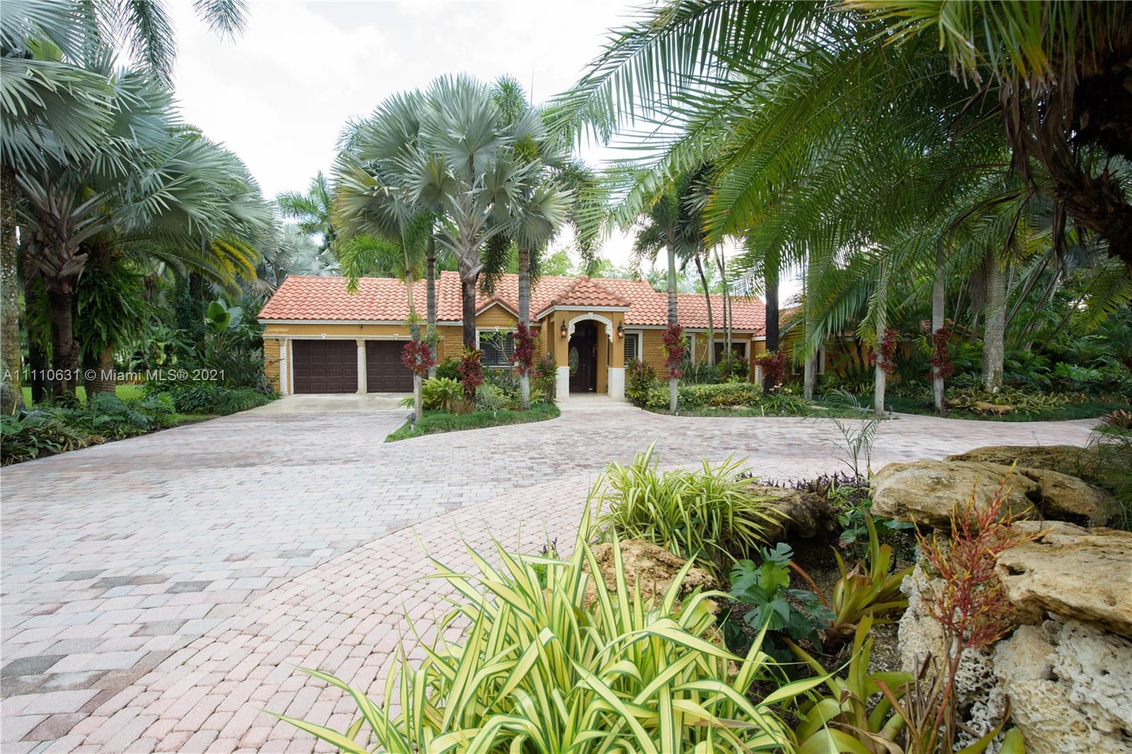 Single Family Home,For Sale,18455 SW 288 St, Homestead, Florida 33030,Brickell,realty,broker,condos near me