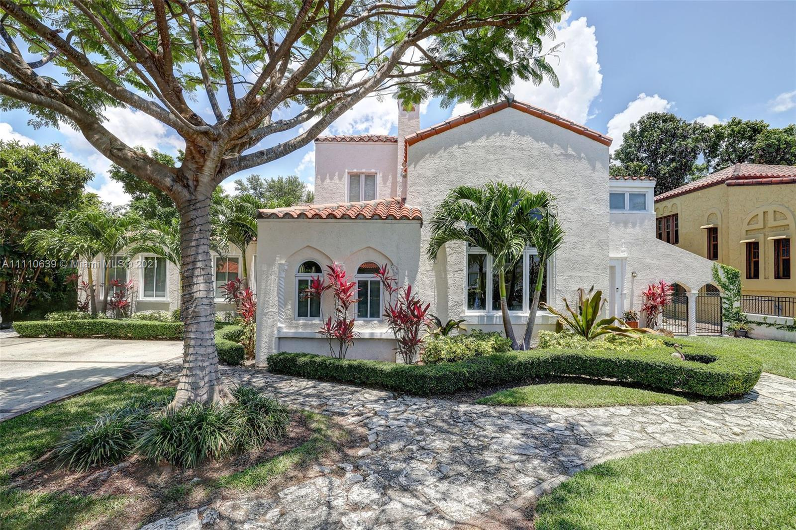 Single Family Home For Sale SPANISH COURT5,123 Sqft