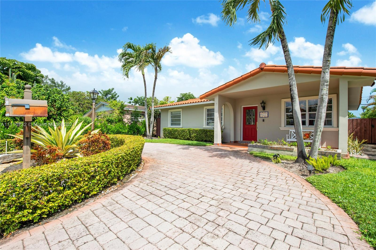 Single Family Home,For Sale,6771 N Waterway Dr, Miami, Florida 33155,Brickell,realty,broker,condos near me