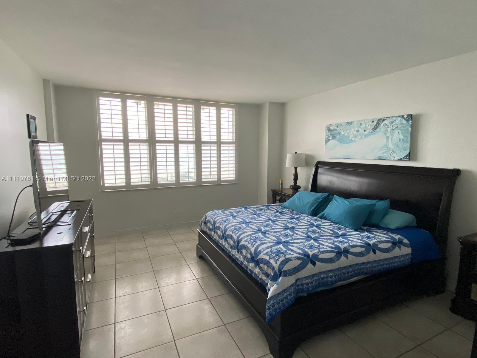 5601 Collins Ave #410 photo019