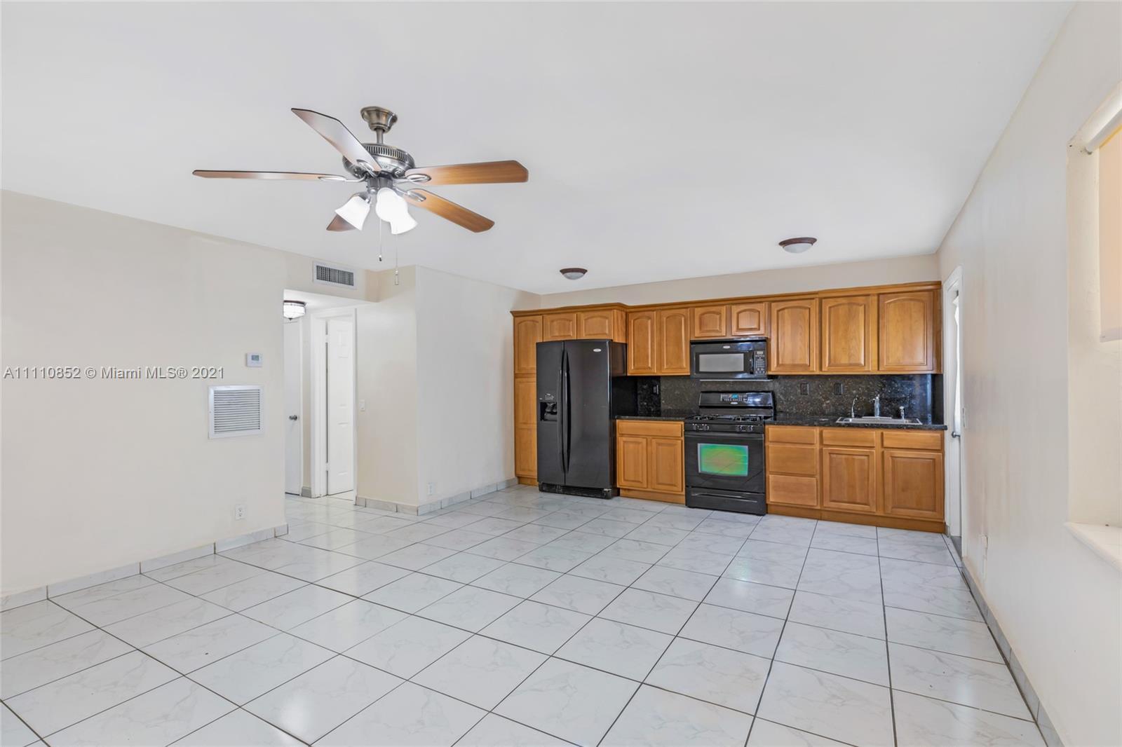 1765 Venice Ln #2E, North Miami, Florida 33181, 2 Bedrooms Bedrooms, ,1 BathroomBathrooms,Residential,For Sale,Venice Ln,A11110852