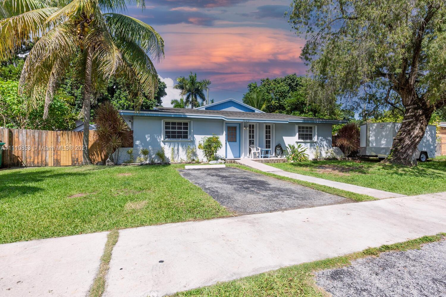 Single Family Home,For Sale,636 SW 7th St, Florida City, Florida 33034,Brickell,realty,broker,condos near me