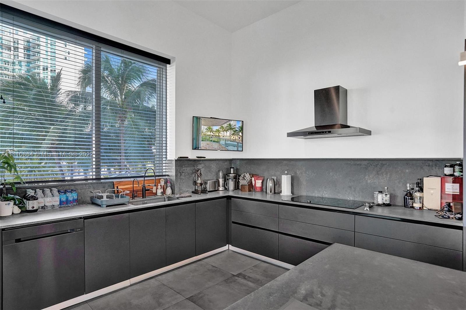16500 Collins Ave #256 photo012