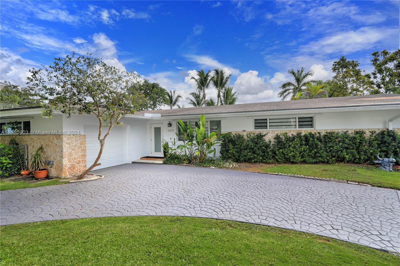 Single Family Home,For Sale,5025 SW 65th Ave, Miami, Florida 33155,Brickell,realty,broker,condos near me