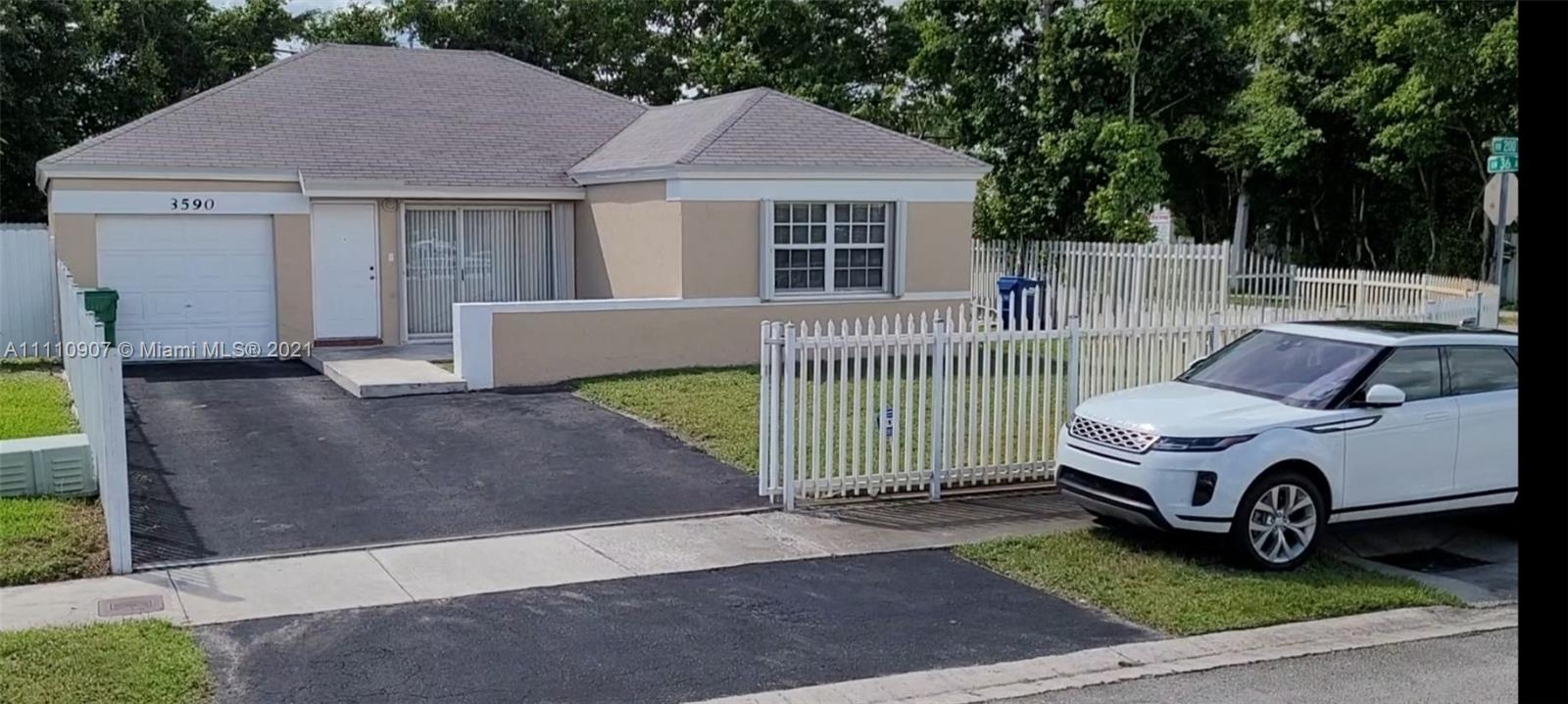 Single Family Home For Sale LESLIE ESTATES SEC 151,225 Sqft